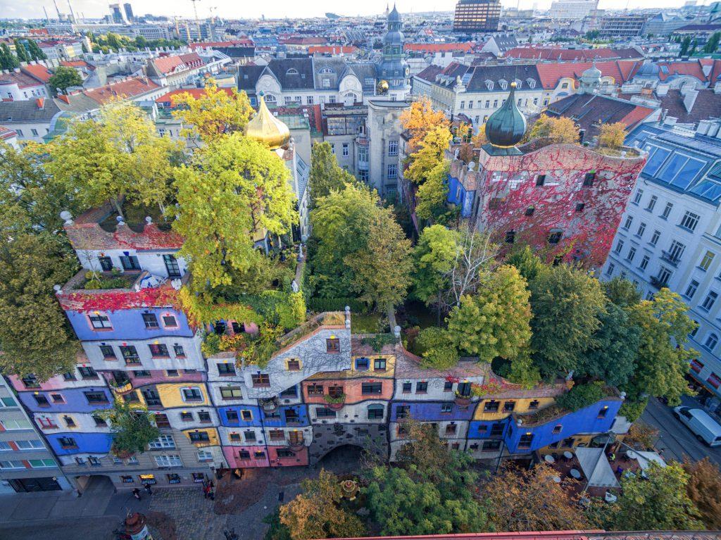 Воздушные замки Хундертвассера_foto