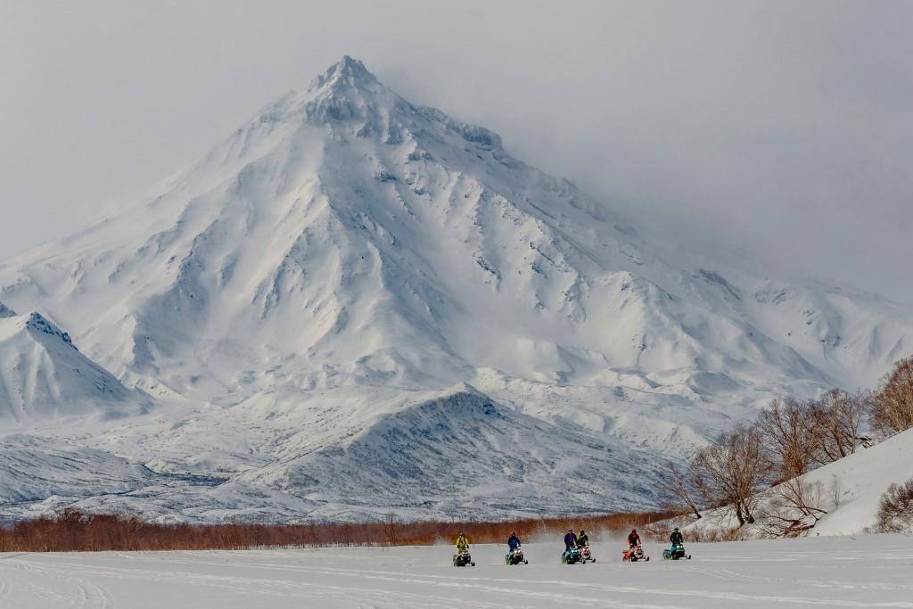 Россия. Снегоходы в горах_foto