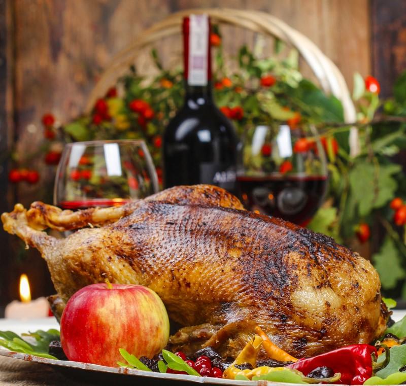 Новогоднее блюдо — запеченный гусь